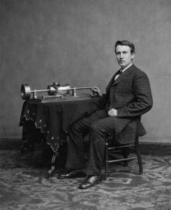 thomas-edison-et-son-phonographe